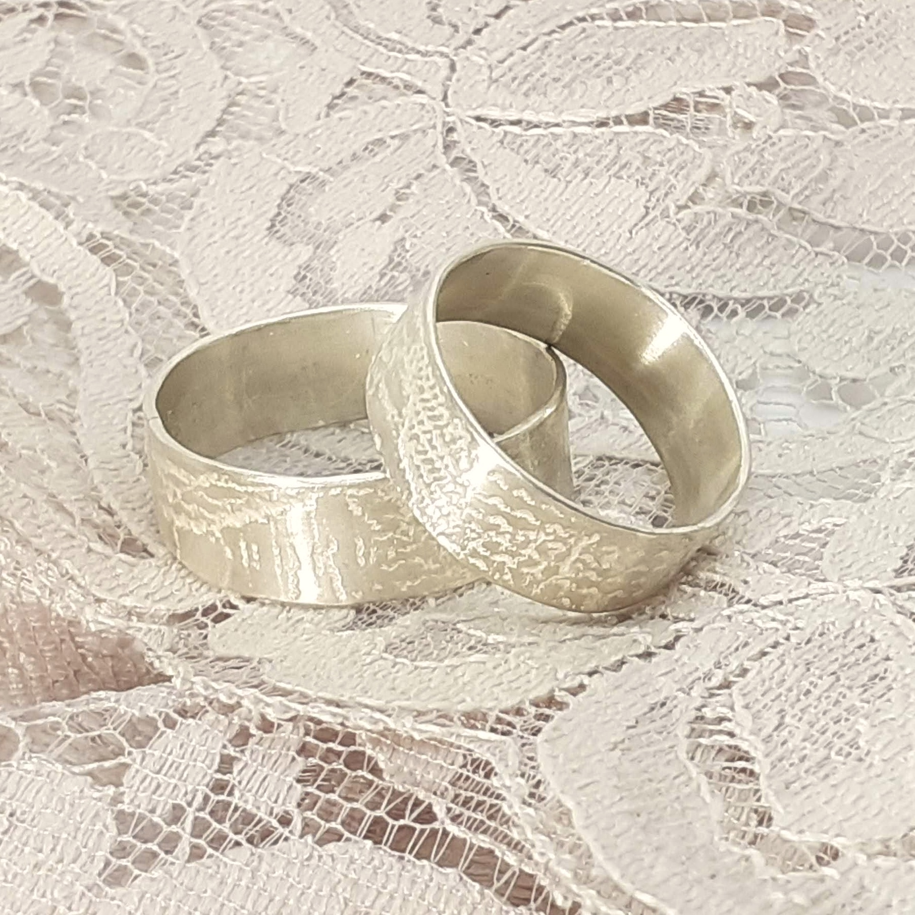 Lace Embossed Unisex Ring